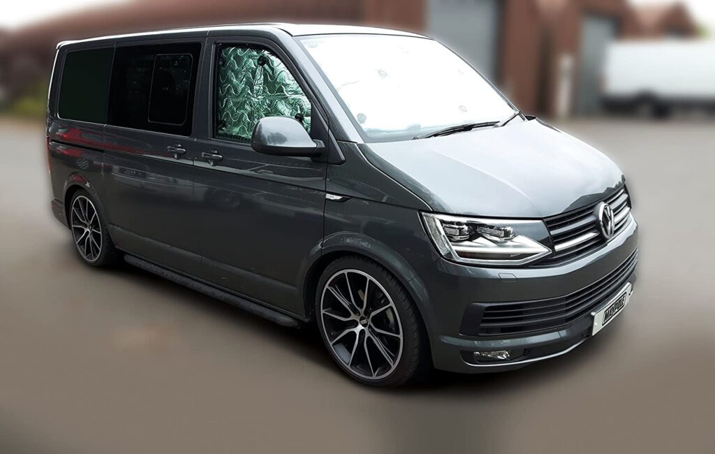 VW T5 curtains