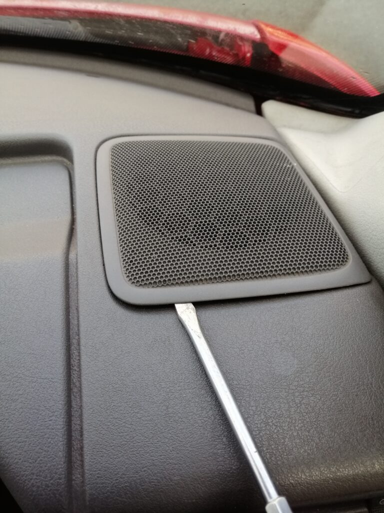 VW TRANSPORTER T4 AUDIO UPGRADE installation picture