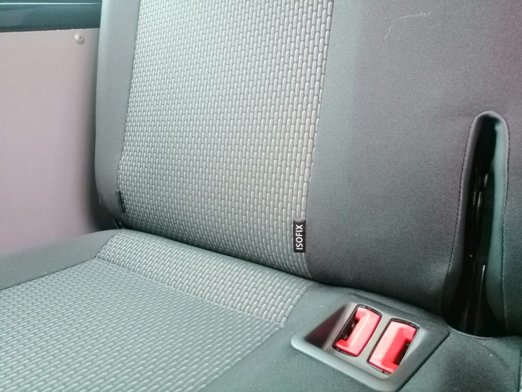 Yes VW TRANSPORTERS do HAVE ISOFIX