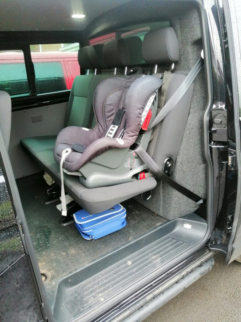 Three seat layout in a T6 does not swap with a 2+1
